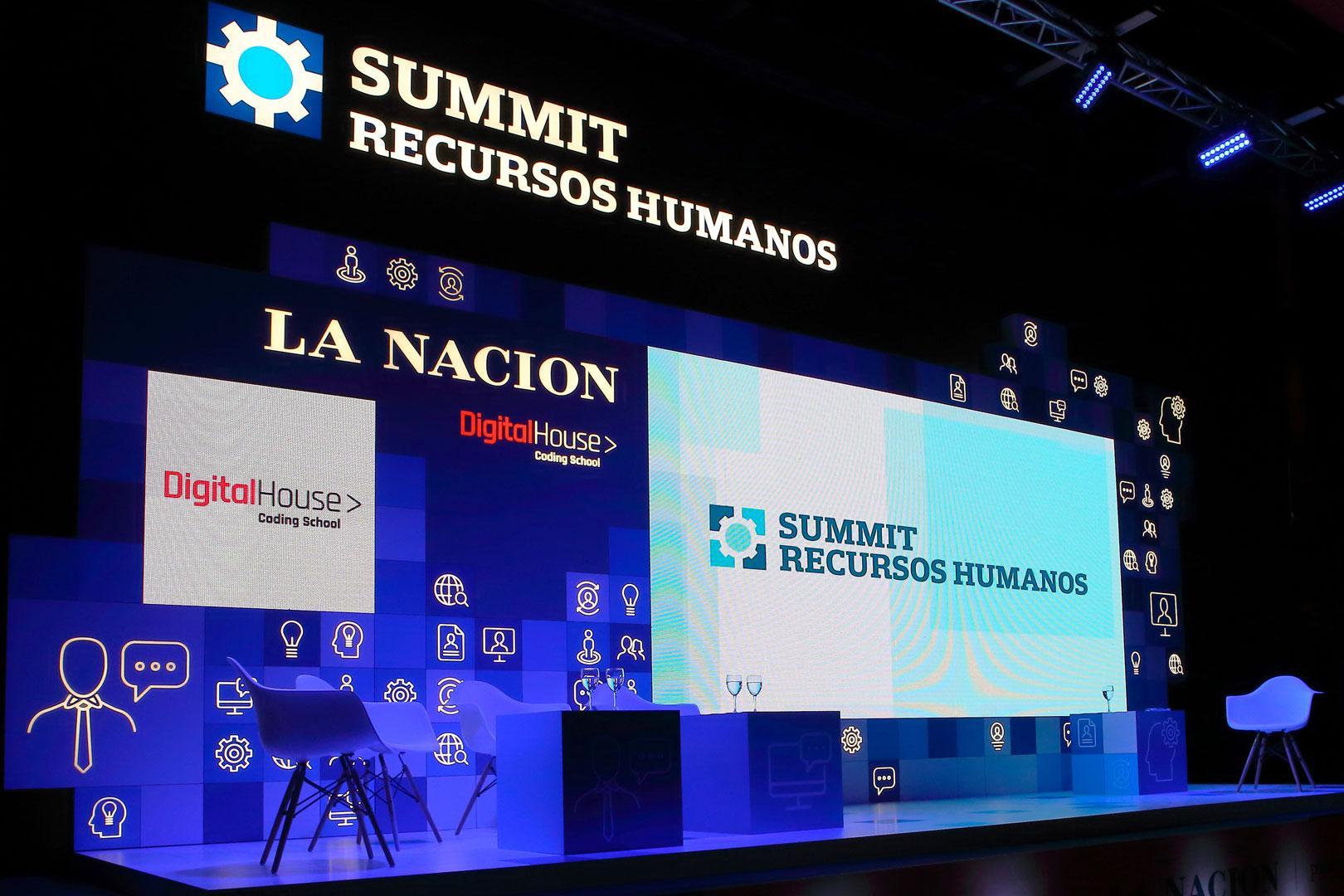 back escenario La Nación summit recursos humanos escenografia 30 diseño estrategico