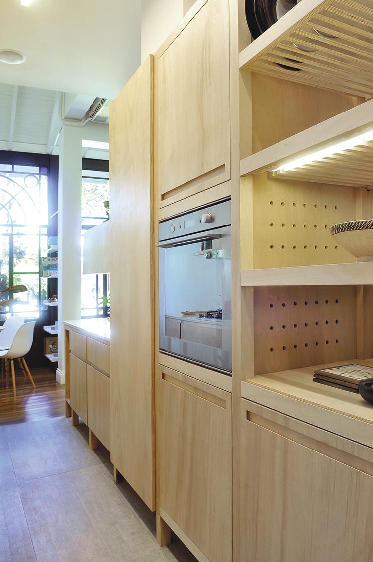 Muebles de cocina a medida en madera.