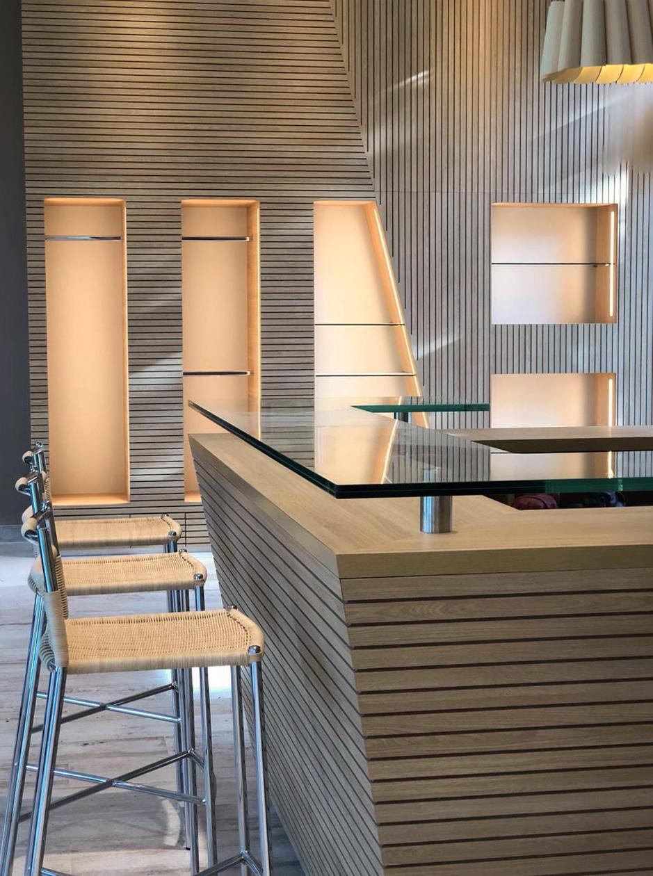 Mostrador y Mobiliario interior SPA Pilar. 30 Diseño Estratégico.
