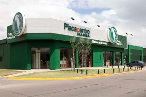 Exterior local comercial placacentro masisa 30 diseño estratégico