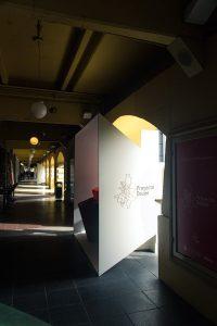 Exhibidores proyecto deseo en terraza buenos aires design